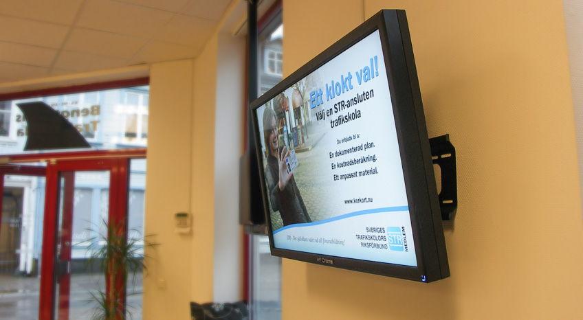 Bengtssons Trafikskola använder InfoChannel System Reception
